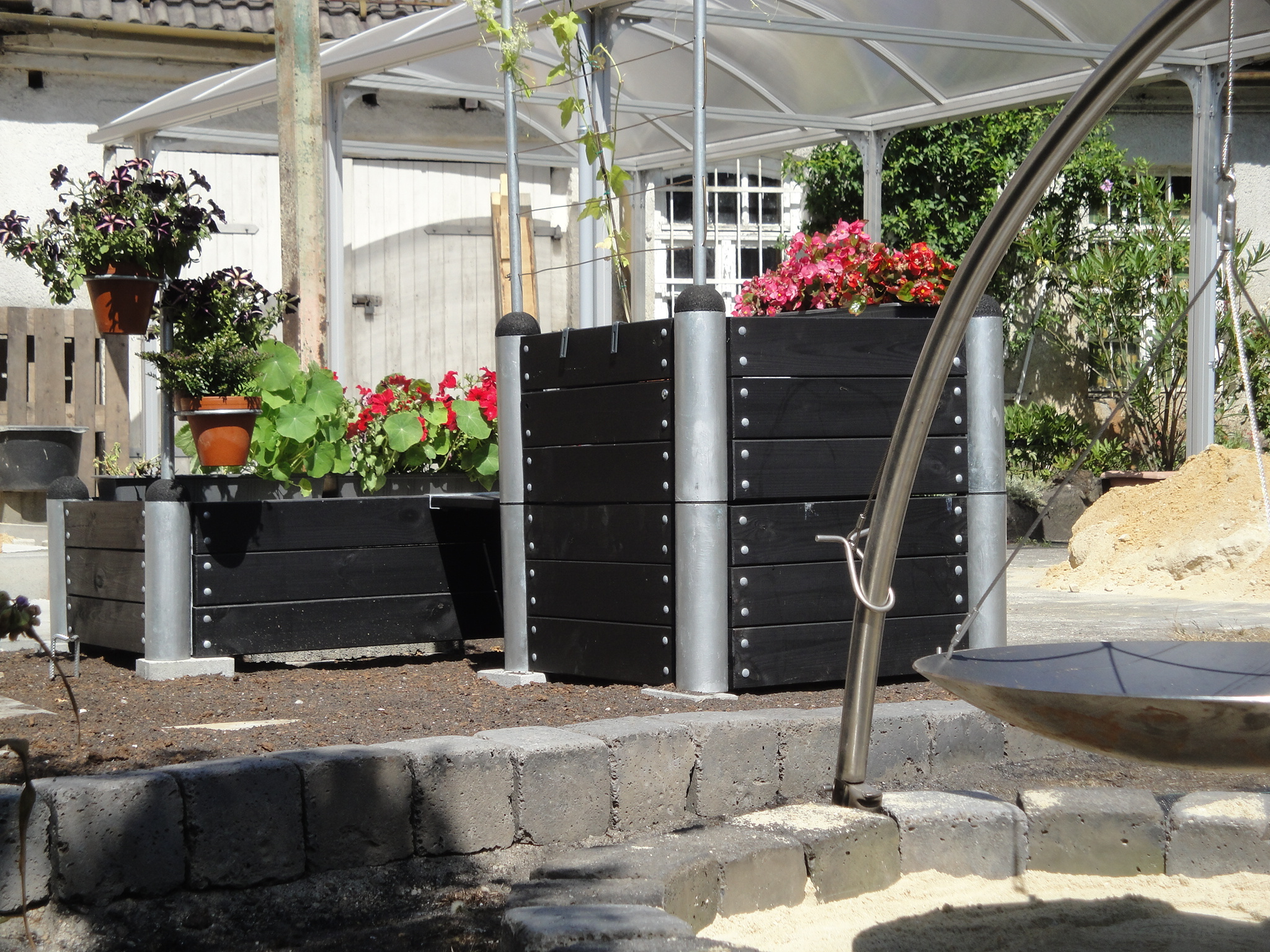 gartentraeume pergola system sitzecke gartenmoebel. Black Bedroom Furniture Sets. Home Design Ideas